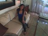 Vidéo porno mobile : Samira, timide et coquine